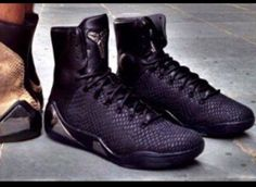 Kobe 9 - Murdered Out