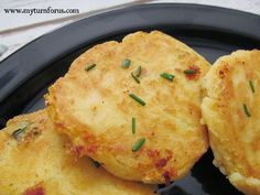 Make Mashed Potato Patties from leftover mashed potatoes that are even more delicious the second time around. These mashed potato patties are not only a great side dish but are craved at our house. Mashed Potato Patties, Mashed Potato Cakes, How To Make Potatoes, Leftover Mashed Potatoes, Potato Pancakes, Cheesy Potatoes, Baked Potatoes, Potato Dishes, Potato Recipes