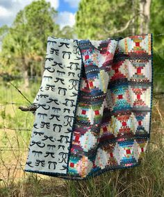 Maryse Makes Things: Courthouse Steps - A Finished Quilt
