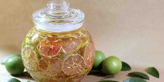 Honey Lime Fruit Salad – Tips For Everyday – Leber entgiften Natural Asthma Remedies, Home Remedies, Bronchitis Remedies, Herbal Remedies, Honey Lemon Water, Honey Benefits, Health Benefits, Pink Lemon, Chokers