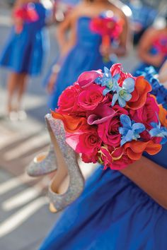 Love these bridesmaids' bouquets! beautiful color scheme