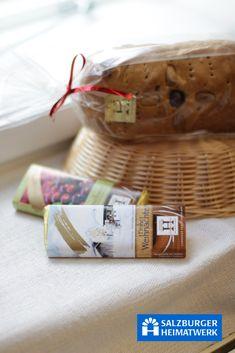 Salzburger Heimaterk. Liebhaber besonderer Schokolade aufgepasst!! Diese handgeschöpften Schokoladen aus Salzburg sind mehr als eine Sünde wert!!! Picnic, Basket, Schnapps, Chocolate, Picnics
