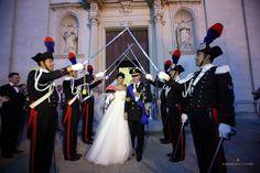 Serena e Massimo, picchetto d'onore (ph Emanuele Spano)