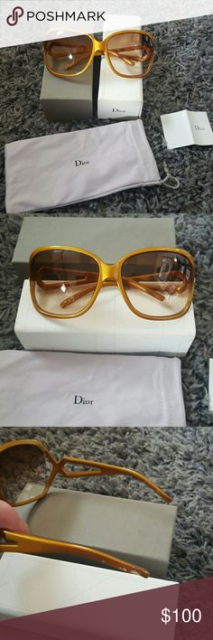 100% authentic CHRISTIAN DIOR Sunglasses FOR SALE OR TRADE!Gorgeous DIOR sunglasses!Beautiful brown/gold color with a gold stud on each side.Vintage DIOR.Comes with everything pictured above. Dior sunglass silky bag,box with magnetic closure and little authenticity card.3rd pic shows where my youngest was chewing on the very edge & it obviously took me too long to grab them,haha.Nothing big though.Small little marks on very end of left piece that goes behind your ear.Its not seen cause it's…