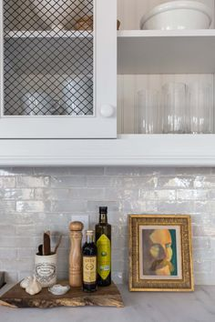 15 Kitchen Backsplash Ideas – Liven up Your Cooking Space by These Awesome Design Tags: kitchen backsplash, DIY kitchen backsplash, kitchen backsplash ideas, kitchen backsplash with dark cabinets, small kitchen backsplash Small Kitchen Backsplash, Backsplash With Dark Cabinets, Inset Cabinets, Diy Kitchen Cabinets, Kitchen And Bath, New Kitchen, Backsplash Ideas, Kitchen Ideas, Backsplash Tile