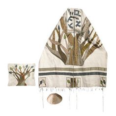 This is a tallit designed by Yair Emanuel. It is used as a prayer shaul that when wraped a certain way diplays the tree of life (a symbol for torah). [Gabe]
