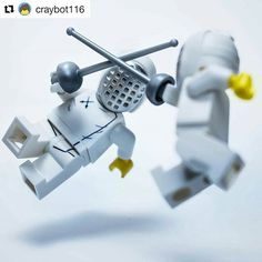 Monday repost: Who's gonna be a champ today? Fencing Foil, Olympic Fencing, Fencing Sport, Sword Fight, Fence Art, Lego Photography, Sports Art, Legoland, Extreme Sports