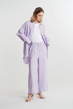 Disa linen trousers - byxor - Gina Tricot Linen Trousers, Gina Tricot, Pants, Books, Closet, Fashion, Lilac, Linen Pants, Trouser Pants