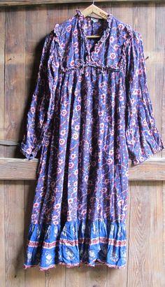 Vintage 70s Indian Cotton Gauze Floral dress ruffles // by MaisonW