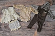 Newborn Photography Outfits by Mia Joy Studio.
