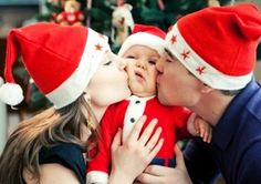 family photo idea for 2014 Christmas, 2014 cute Christmas family pictures, photo of parents kissing baby - Love family, love family tattoo by sososo