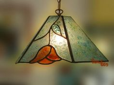 Lámpara en vidrio fundido. Técnica tiffany. Se puede realizar en otros colores.