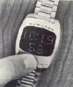 El reloj digital es el que indica la hora mediante números digitales, por oposición al reloj analógico que lo hace mediante manecillas.  En 1970, el primer reloj de pulsera digital con pantalla de LED fue fabricado en masa, producido por Hamilton Watch Company.  A lo largo de la década de 1970, a pesar de su reciente inicio, se produjo un fuerte desarrollo de los relojes digitales, la popularidad de dichos dispositivos aumentó de manera constante con los años.