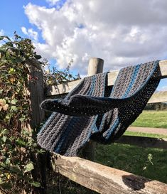 The Studio Stripe Scarf (Free crochet pattern) - Dora Does Chunky Scarves, Striped Scarves, Womens Institute, Teal Colors, Crochet Scarves, Beautiful Crochet, Textures Patterns, Free Crochet, Gifts For Him