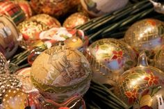 Google Image Result for http://us.123rf.com/400wm/400/400/alexduffner/alexduffner0906/alexduffner090600004/5050252-christmas-decoration-taken-at-a-chritmas-market-in-vienna-austria.jpg