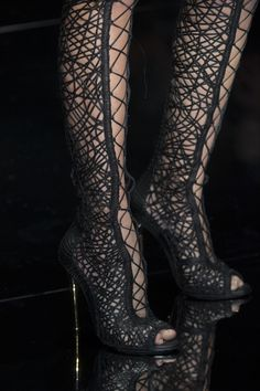 Tom Ford  spring 2014 london-fashion-week. The things I would do in these ;)