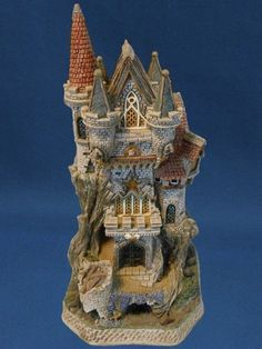 David Winter Cottage WITCH'S CASTLE #D1025 *NIB* Beautiful Piece* in Collectibles | eBay