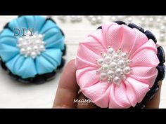 YouTube Ribbon Flower Tutorial, Hair Bow Tutorial, Diy Ribbon, Fabric Ribbon, Ribbon Crafts, Flower Crafts, Ribbon Bows, Fabric Flowers, Gift Baskets For Women