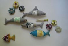 6 fish and 6 mini pincushions by Kristie (Handmade Mom) made with Umbrella Prints Trimmings 2012.  http://www.umbrellaprints.blogspot.com.au/