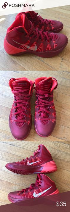 Nike Hyperdunk Team Red/Crimson Basketball Sneaker Excellent pre-owned condition Nike Hyperdunk 2013. Good traction and cushion. My son liked the fit and support. Nike Shoes Athletic Shoes