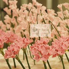 Produção das flores de açucar para os bolos assinados por Simone Amaral - www.simoneamaral.com - www.instagram.com/simoneamaralofficial - www.fb.com/simoneamaralpatisserie - www.simoneamaralsweets.blogspot.com.br