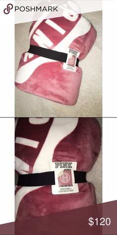 👑 VS Mauve Soft Begonia Sherpa Blanket Brand new! Selling on meeeeerrrrc for $85 with free shipping 😁👉🏾 theultimateplug Victoria's Secret Other