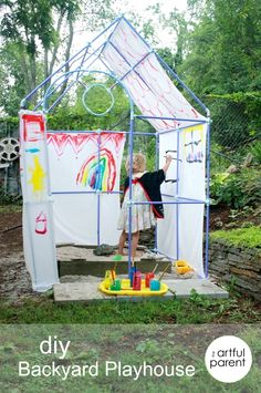 Building a DIY Backyard Playhouse with Fort Magic A DIY Backyard Playhouse made with a Fort Magic kit — LOVE that the kids painted it! Backyard For Kids, Diy For Kids, Crafts For Kids, Backyard Shade, Large Backyard, Kids Fun, Backyard Playhouse, Build A Playhouse, Outdoor Play Spaces