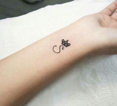 s👑 - Tattoo Welt Jj Tattoos, Baby Feet Tattoos, King Tattoos, Queen Tattoo, Dainty Tattoos, Couple Tattoos, Body Art Tattoos, Small Tattoos, Princess Tattoo