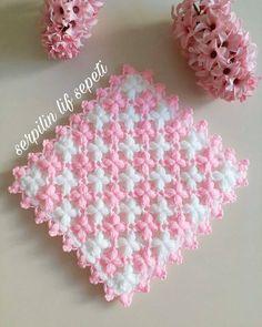 25 ideas crochet shawl edging pattern granny squares for 2019 Crochet Square Patterns, Crochet Stitches Patterns, Baby Knitting Patterns, Crochet Motif, Crochet Flowers, Puff Stitch Crochet, Gilet Crochet, Baby Blanket Crochet, Crochet Baby