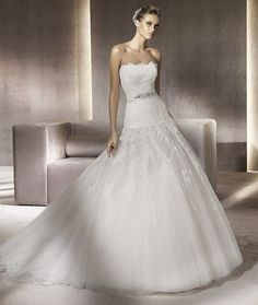 PRONOVIAS 2012 GLAMOUR COLLECTION - PERSIA A
