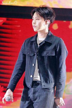 paismom — koreanghetto: 160626 G-Dragon- VIP Fanmeeting in. Seungri, G Dragon Fashion, Gd & Top, G Dragon Top, Vip Bigbang, Bigbang G Dragon, Dalian, Kim Sun, Ji Yong