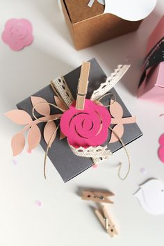 Gift wrapping touches