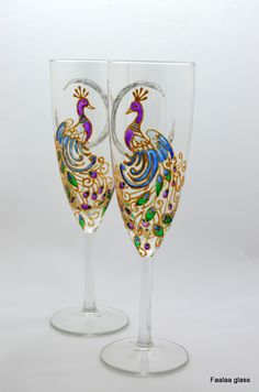 peacock-on-moon-painted-champagne-flutes-011.jpg (1060×1600)