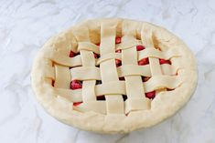 Looking for pie recipes? If you want some dessert recipes you can try and serve to your family, make this triple berry pie recipe. It's a great dessert idea Creative Crafts, Diy And Crafts, Pie Recipes, Dessert Recipes, Triple Berry Pie, How To Make Everything, Great Desserts, Pie Dessert, Apple Pie