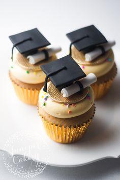 Graduation Cupcakes Tutorial: How to Make Graduation Cupcake Toppers ...