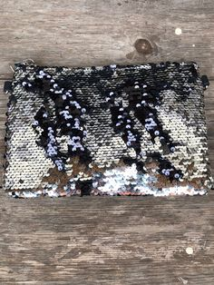Glam Sequin Clutch (Silver) n