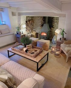 Country Home Decorating – Country Style Home Decor the Way Life Used to Be - Sweet Home And Garden Living Room Decor Cozy, Cottage Living Rooms, Cottage Interiors, Home Living Room, Living Room Designs, Inglenook Fireplace, Decoration Inspiration, Beautiful Living Rooms, Ideal Home