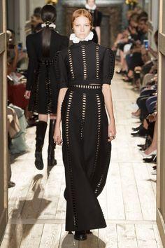 The final Valentino couture collection from Maria Grazia Chiuri and Pierpaolo…