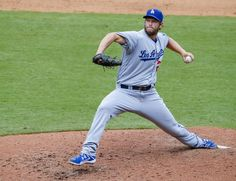 Watch Clayton Kershaw throw 46-mph eephus pitch against Braves - LA Times