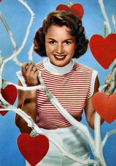 Debbie Reynolds wishes you a Happy Valentine's Day My Funny Valentine, Vintage Valentine Cards, Vintage Holiday, Saint Valentine, Valentine Pics, Holiday Fun, Love Vintage, Retro Vintage, Vintage Photos