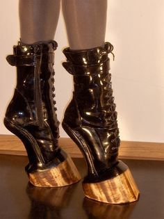 ADRIENNE MALOOF: SNEAK PEEK AT ADRIENNE'S NEW SHOES!!...THE MALOOF HOOF REVEALED!!!