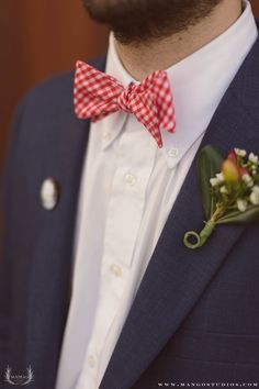#mangostudios #photography #toronto #wedding #groom #tie