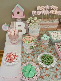 Celebra con Ana: ♥ Primera Comunión Shabby Chic Candy Table, Candy Buffet, Dessert Table, Dulce Candy, Ideas Para Fiestas, Fiesta Party, Shabby Chic, Feta, Crafts For Kids