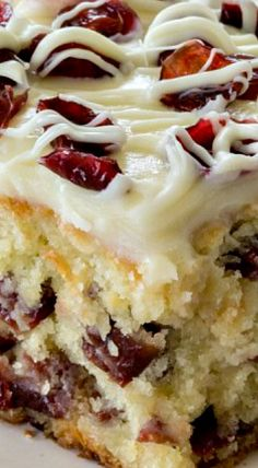 CHRISTMAS CRANBERRY COFFEE CAKE - Easy Cranberry Coffee Cake is perfect Christmas dessert! Loaded with cranberries and white chocolate chips and topped with cream cheese frosting is a family favorite! Baking Recipes, Cake Recipes, Dessert Recipes, Costco Recipes, Pasta Recipes, Dinner Recipes, Christmas Desserts, Christmas Baking, Christmas Cakes