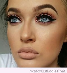 Beautiful nude lip with blue eyes
