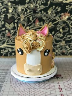 At acciocake we bake custom Cakes, cupcakes & cookies. Making custom chocolates, creating mousse cakes and every thing pastry. Horse Birthday Parties, Cowgirl Birthday, Cowgirl Party, Birthday Cake Girls, Horse Birthday Cakes, 5th Birthday, Cupcakes, Cupcake Cakes, Cake Paris