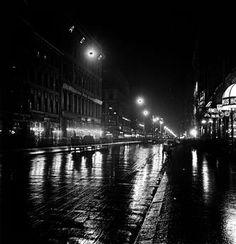 Berlin Mitte, Friedrichstraße.  Friedrichstraße / on the corner of Schützenstraße at night.  Amateur photograph (part of a stereoscopic photograph) by P.A. Lebrun (from the series 'Berliner Ansichten' 1912/13 (scenes of Berlin).