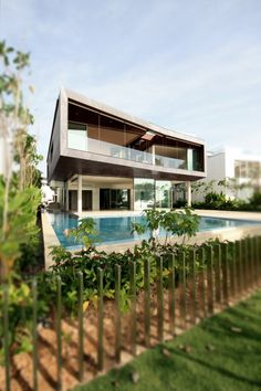 Stereoscopic House in Singapore, Singapore by: Pencil Office
