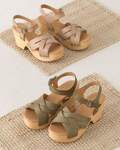 A dramatic pine-wood wedge takes a sweet sandal to breathtaking heights. Crafted in Italian leather with intricately interwoven front straps, with lightweight versatility.