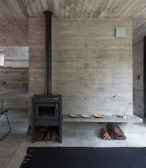 House is a concrete holiday home designed by Argentinian architect Luciano Kruk. The house is located in a pine forest near Buenos Aires. Concrete Bench, Concrete Houses, Exposed Concrete, Interior Design Examples, Interior Design Inspiration, Design Ideas, Cabinet D Architecture, Interior Architecture, Ideas Cabaña